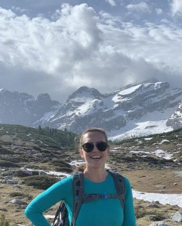 Sarah Gundlach hiking