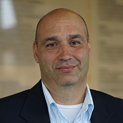 Dr Enrique Calderin